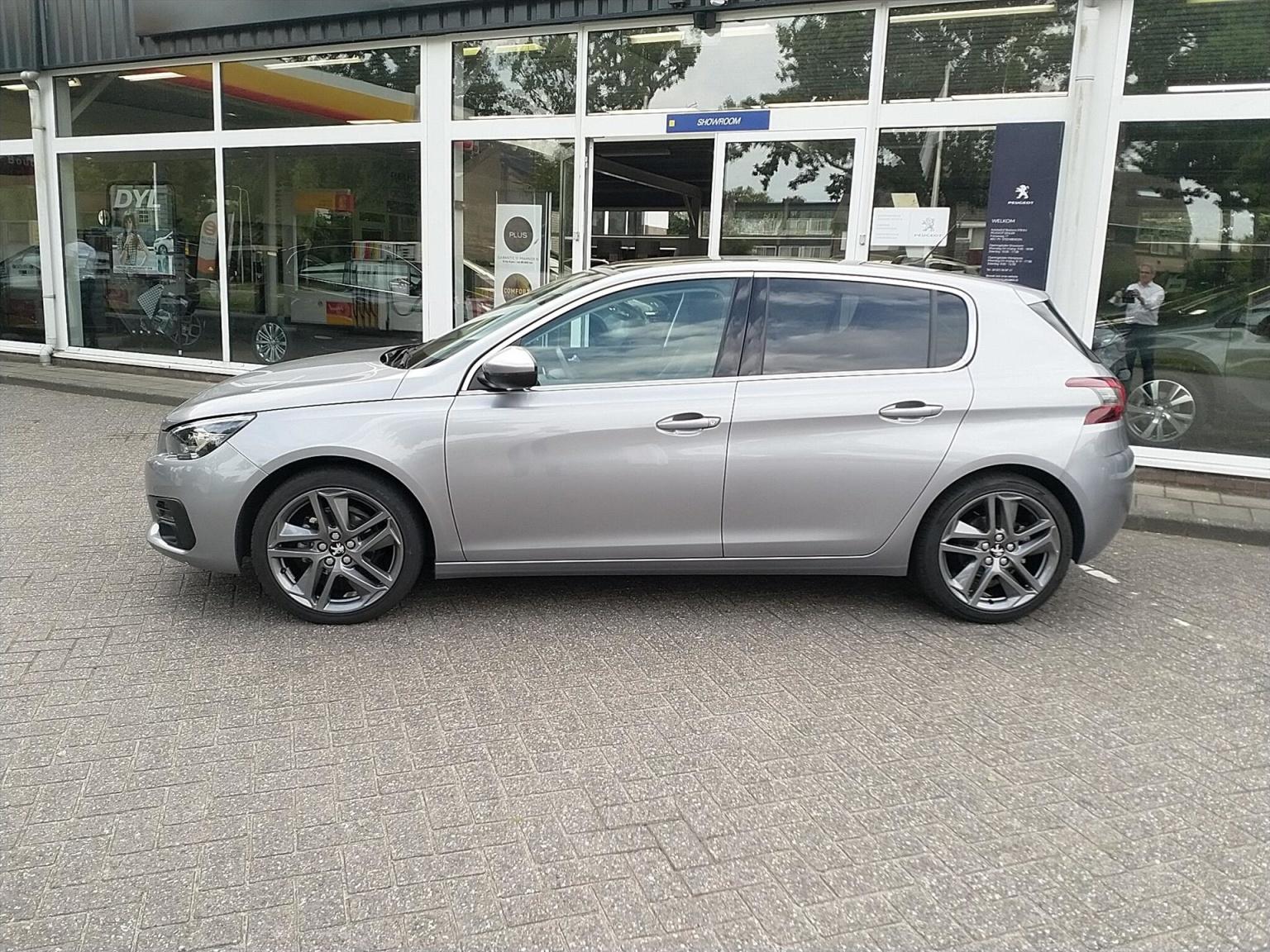 Peugeot-308-3